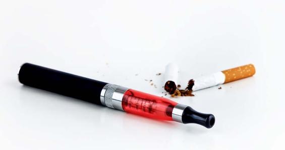 Les dangers de la e-cigarette, mythe et réalité